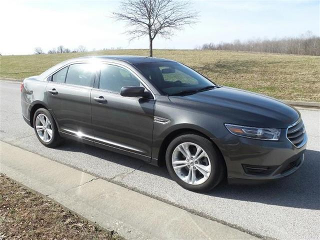 Pre-Owned 2015 Ford Taurus SEL Front-wheel Drive Sedan