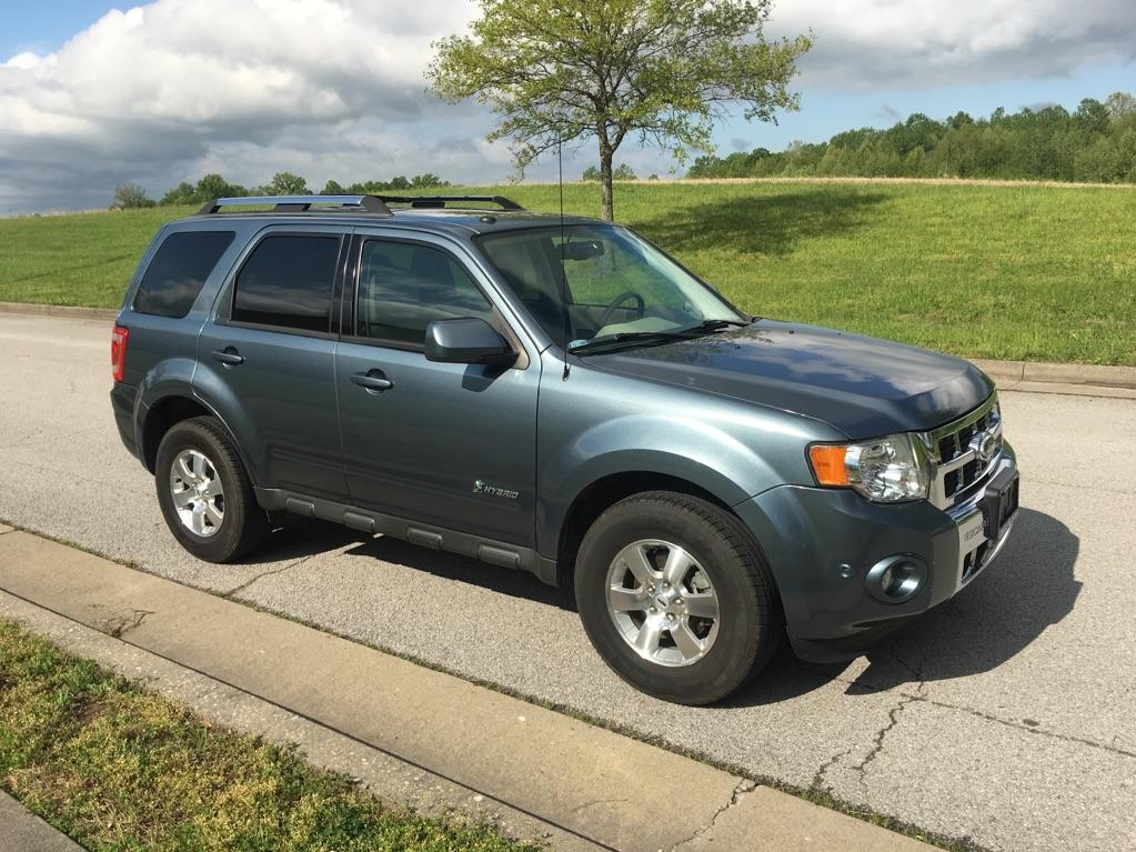 Pre-Owned 2010 Ford Escape Hybrid Limited Front-wheel Drive