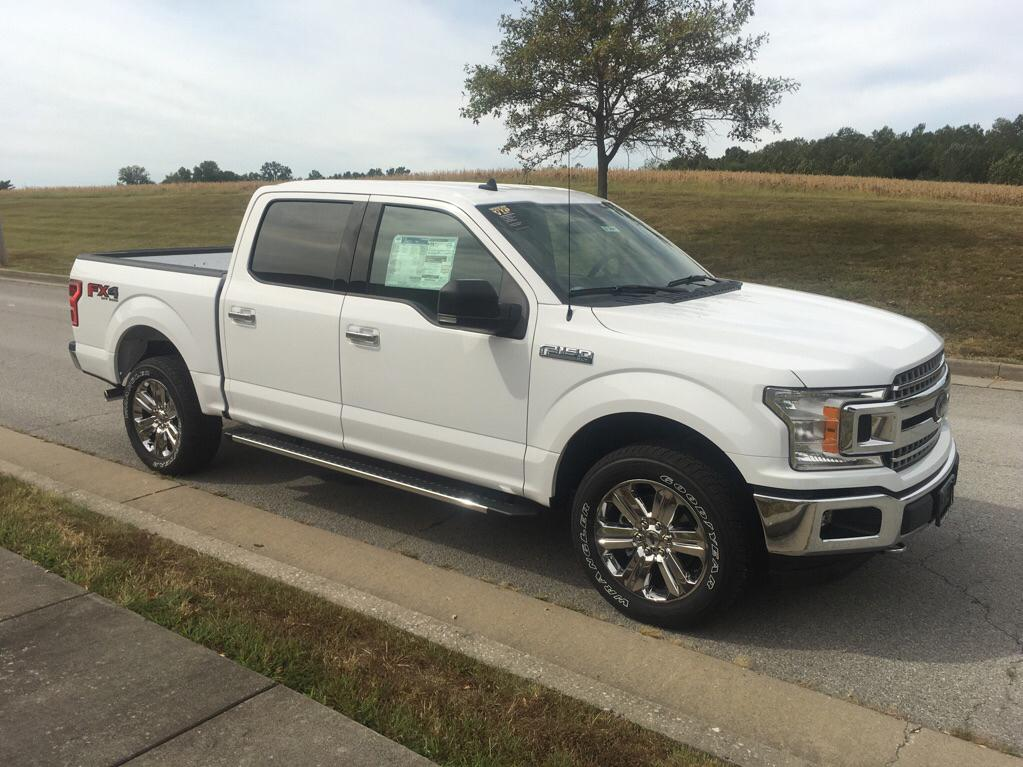 New 2019 Ford F-150 XLT 4x4 Crew Cab