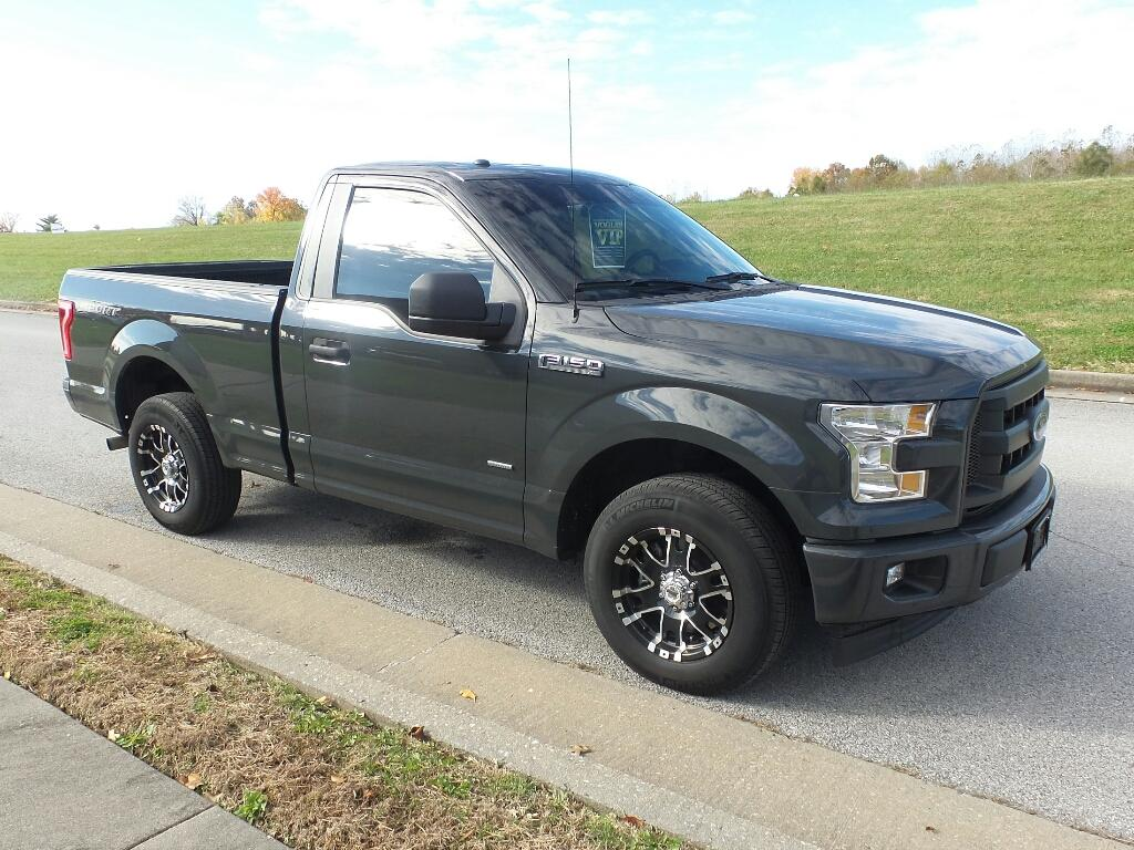 Pre-Owned 2017 Ford F-150 XL 4x2 Regular Cab Styleside 6.5 ft. box