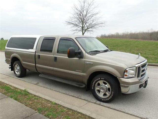 Pre-Owned 2005 Ford F-350 Lariat 4x2 SD Crew Cab 172 in. WB SRW