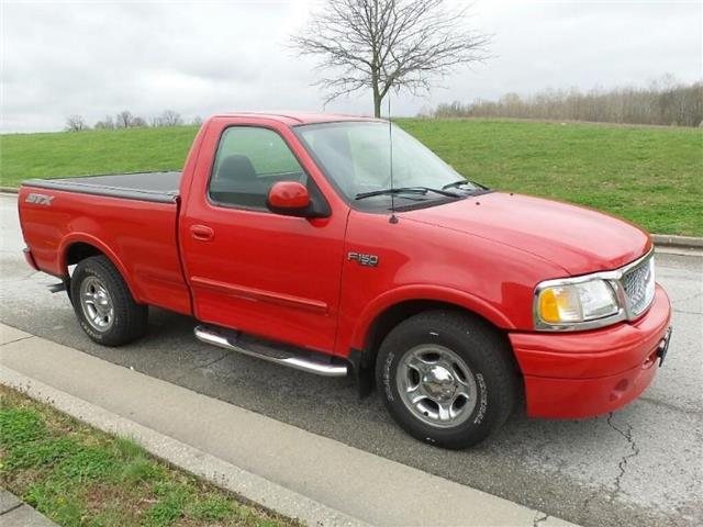 Pre-Owned 2003 Ford F-150 XL 4x2 Regular Cab Styleside 120 in. WB