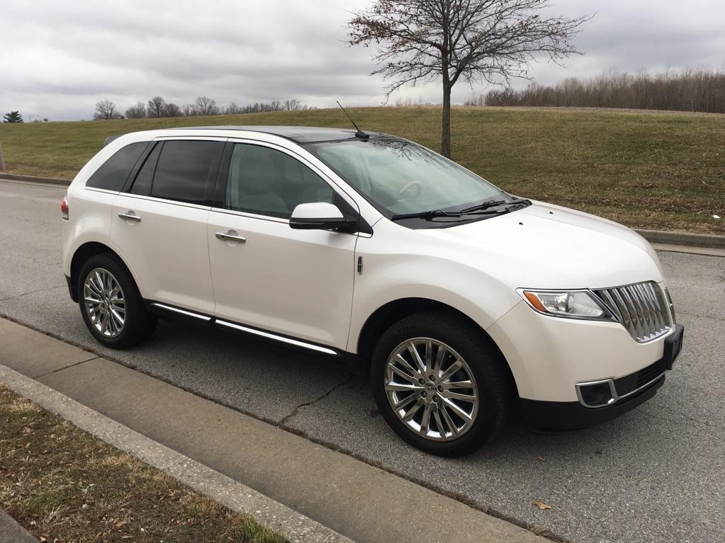 Pre-Owned 2013 Lincoln MKX Front-wheel Drive