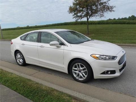 Pre-Owned 2016 Ford Fusion SE Front-wheel Drive Sedan