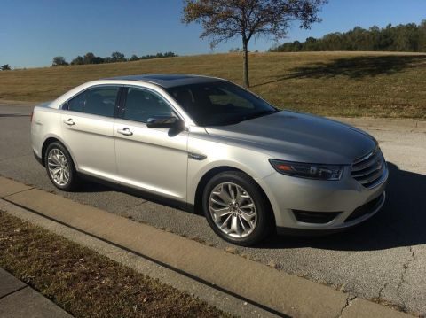 Pre-Owned 2019 Ford Taurus Limited Front-wheel Drive Sedan