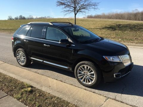 Pre-Owned 2012 Lincoln MKX All-wheel Drive