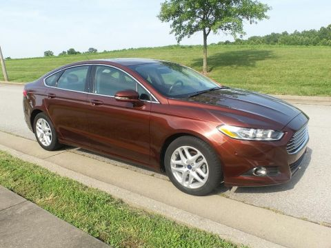 Pre-Owned 2015 Ford Fusion SE Front-wheel Drive Sedan